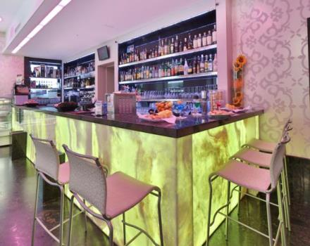For moments of relaxation or fanciful hors d'oeuvres choose the lounge bar at the Best Western hotel Nazionale.