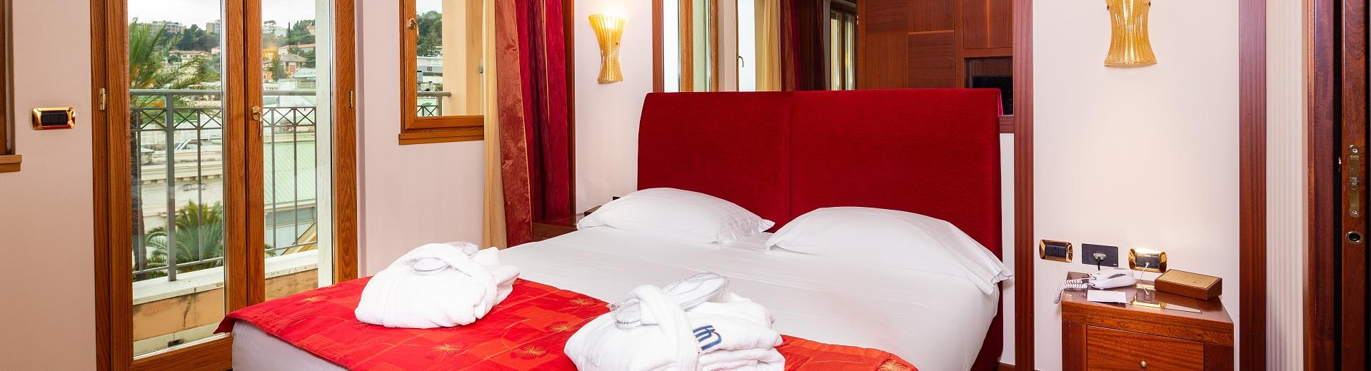 Comfort and special services in our rooms in Sanremo centro